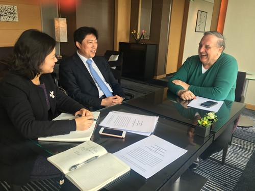 于健龙秘书长会见世界商会联合会主席彼得·米霍克_副本.jpg