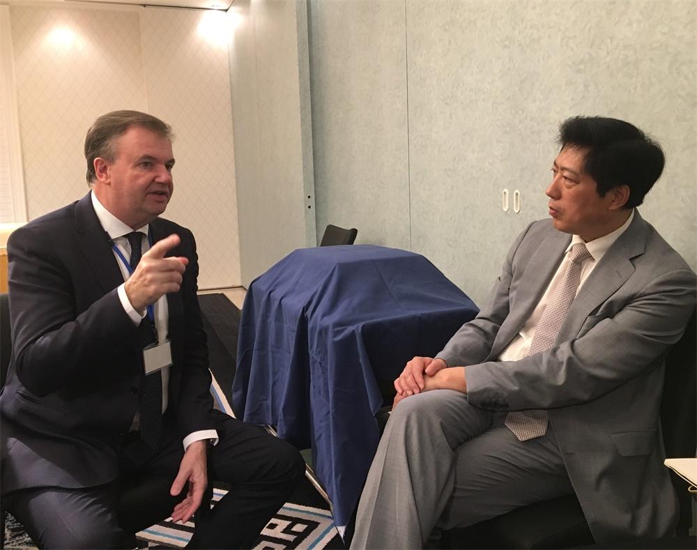 小 于健龙秘书长会见国际商会首席运营官菲利普·库查斯基.jpg